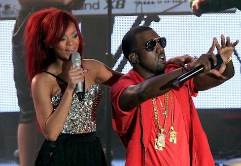 Rihanna-Kanye-performing